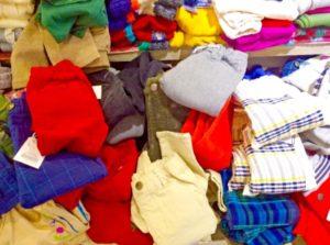たくさんの子供服