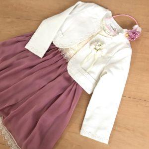 ドレスとカチューシャ